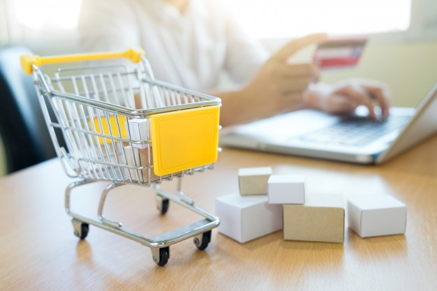 business-shopping-online-concept_1421-6